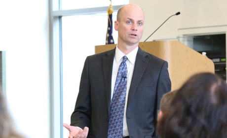 Peter Lortz speaks at an open forum for the VPASA position on Monday, Sept. 29. 2014 at Shoreline Community College.